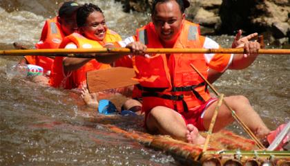 Klasik Bamboo Rafting Adventure